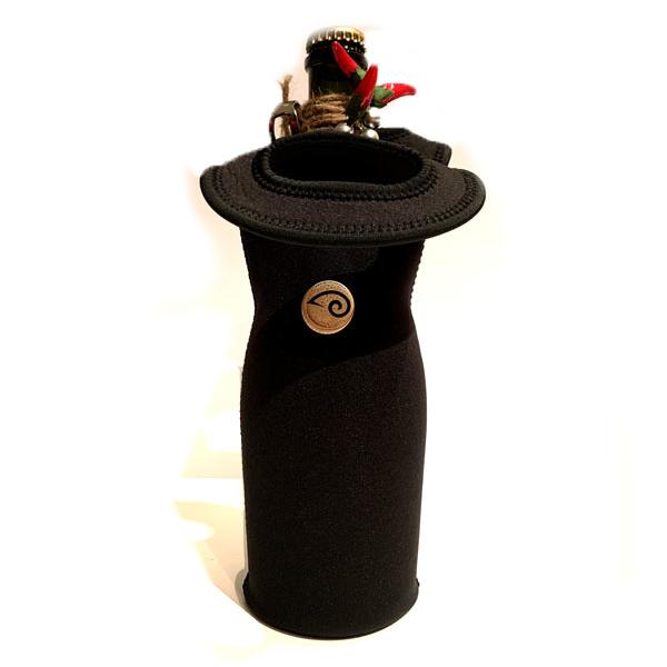 Bottiglia di birra artigianale da 75cl con sacca n neoprene nera e spilletta aries